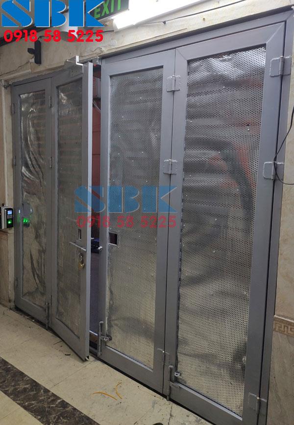 Bộ khóa cửa cổng bằng vân tay nhà trọ Ronald jack SF200 cửa sắt
