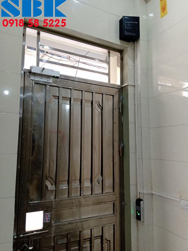 khóa vân tay nhà trọ cửa sắt Ronald jack SF200 cho cửa 1 cánh