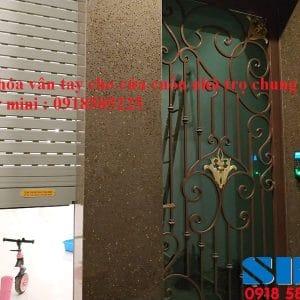 khóa vân tay cửa cuốn nhà trọ chung cư mini Ronald jack F18